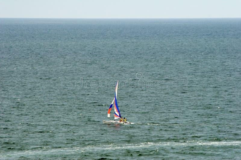 Barca sul mare. fotografie stock