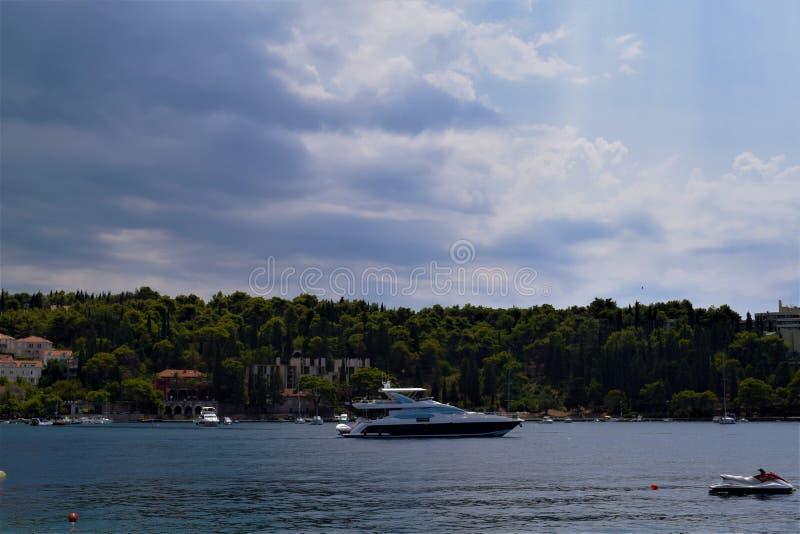 Barca sul mare Croazia immagine stock libera da diritti
