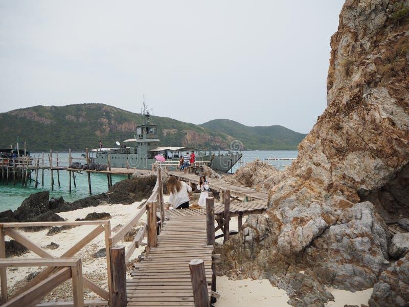 Barca turistica a Ko Kham fotografia stock