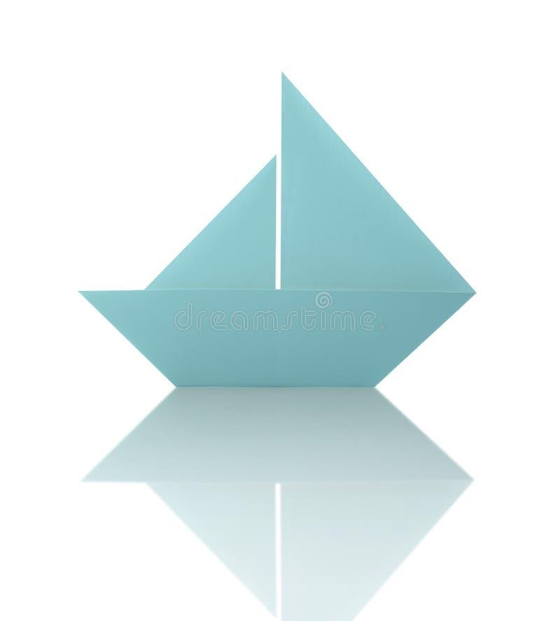Barca a vela di carta di origami blu illustrazione vettoriale
