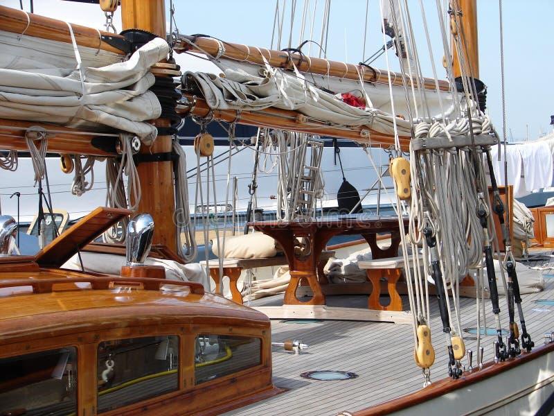 Barca a vela a riposo. fotografie stock libere da diritti