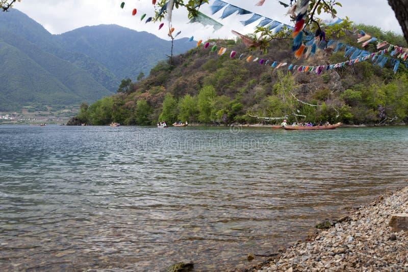 Barcaioli Sul Chiaro Lago Fotografia Editoriale