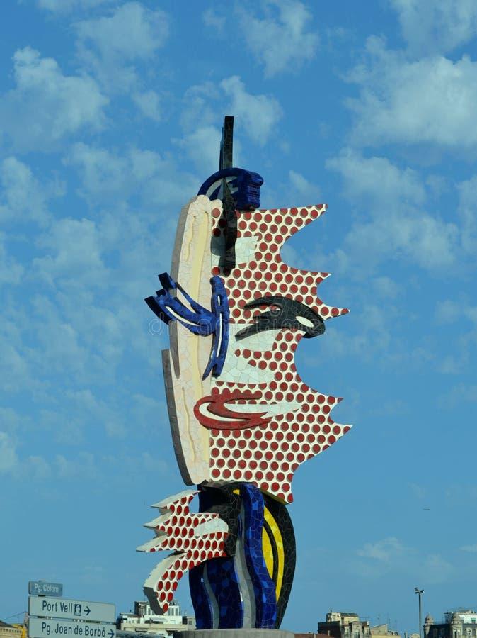 Barcellona dirige una scultura da roy lichtenstein for Una decorazione e formata da cinque rombi simili