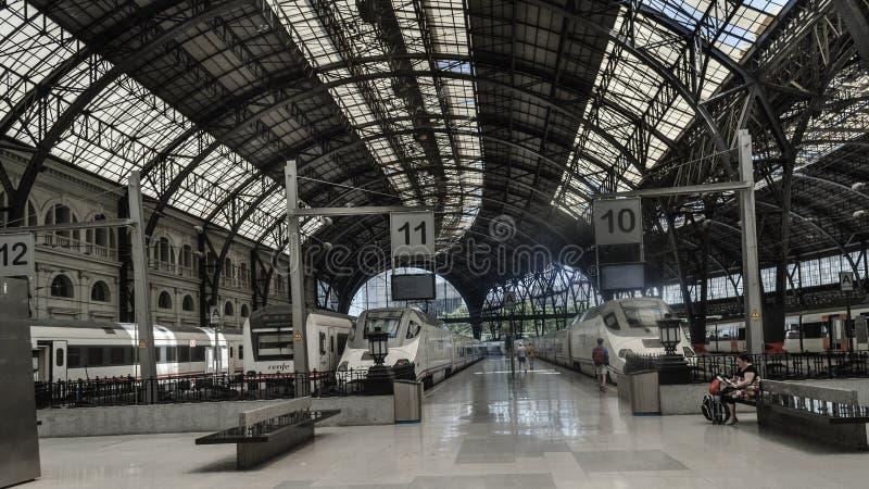 Barcellona, la costruzione della stazione ferroviaria della Francia è una dei più bel in tutto di Barcellona fotografia stock libera da diritti