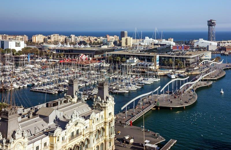 BARCELLONA, SPAGNA - 8 APRILE 2016: Argine di Vell del porto panoramico immagine stock