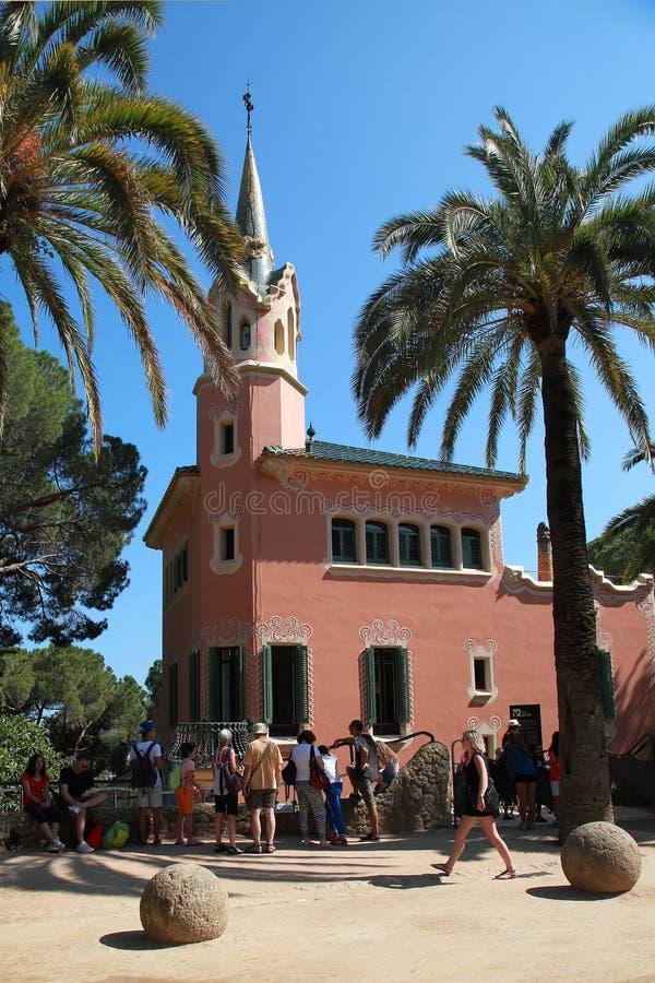 BARCELLONA, SPAGNA - 8 LUGLIO: Il parco famoso, progettato da Antoni G immagine stock libera da diritti