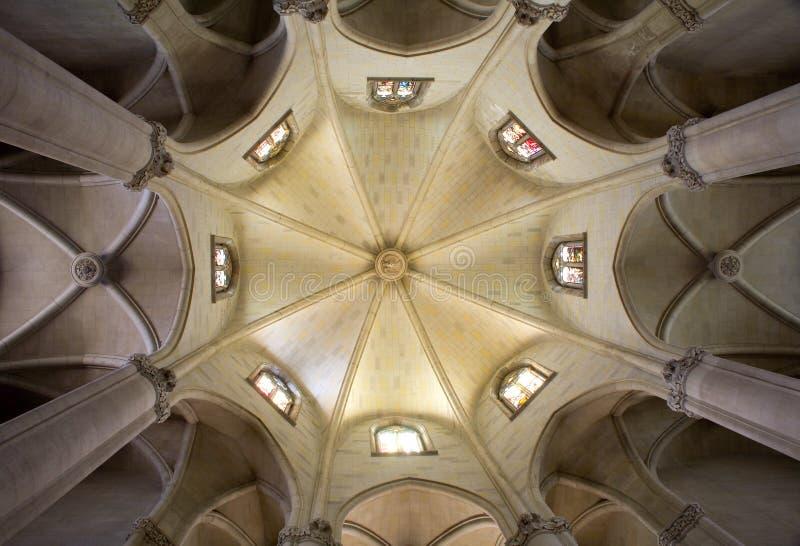 Barcelona - arco de la iglesia Sagrad Cor de Jesús imágenes de archivo libres de regalías