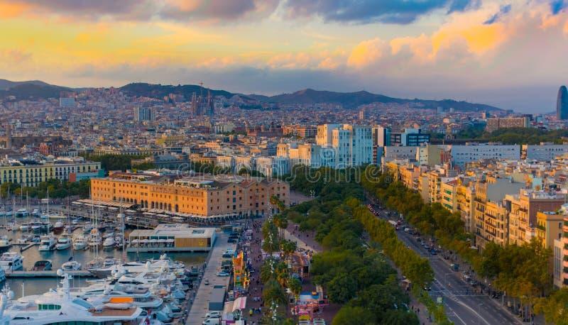 Barcelona bij zonsondergang stock fotografie