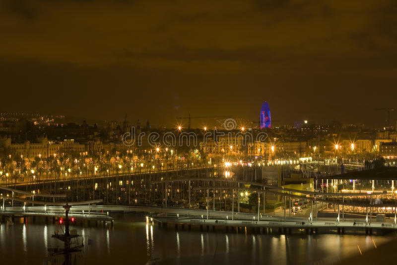 Barcelona bis zum Nacht lizenzfreies stockbild