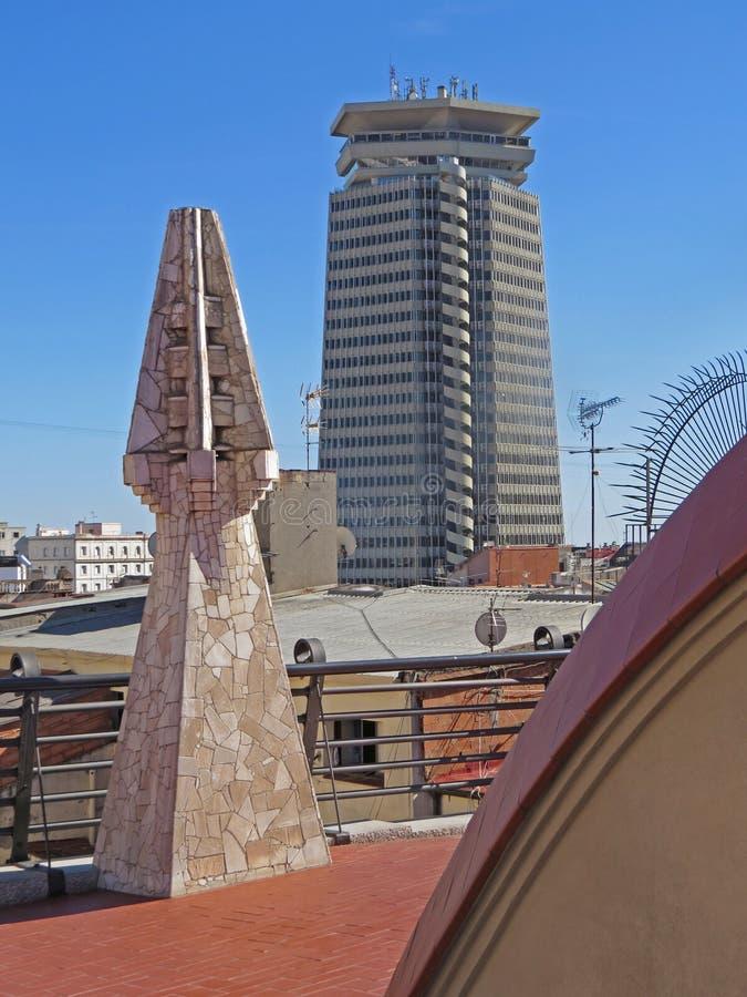 Barcelona byggnadsgator och Antoni Gaudi stadsskönhet arkivfoto