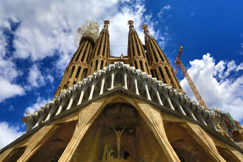 BARCELONA, Catalonië, SPANJE - Mei 3, 2018: La Sagrada Familia - de indrukwekkende die kathedraal door Gaudi wordt ontworpen, die stock foto
