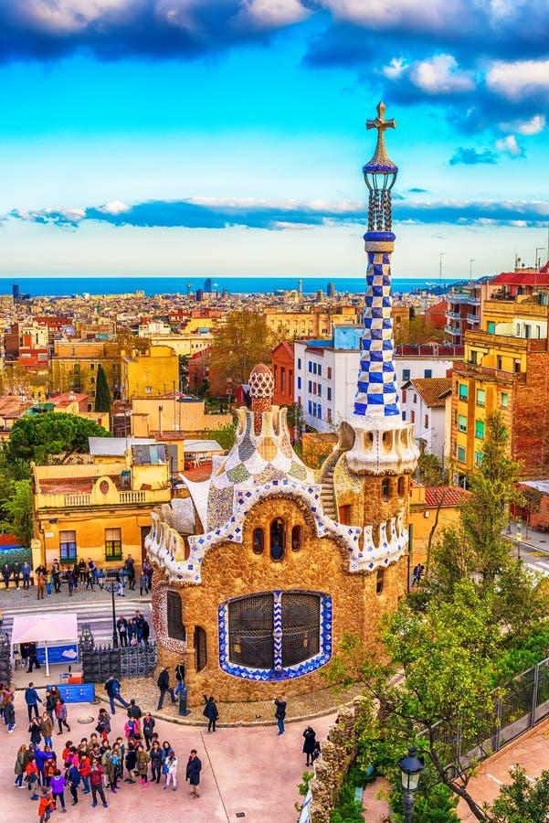 Barcelona, Catalonia, Espanha: o parque Guell de Antoni Gaudi imagens de stock