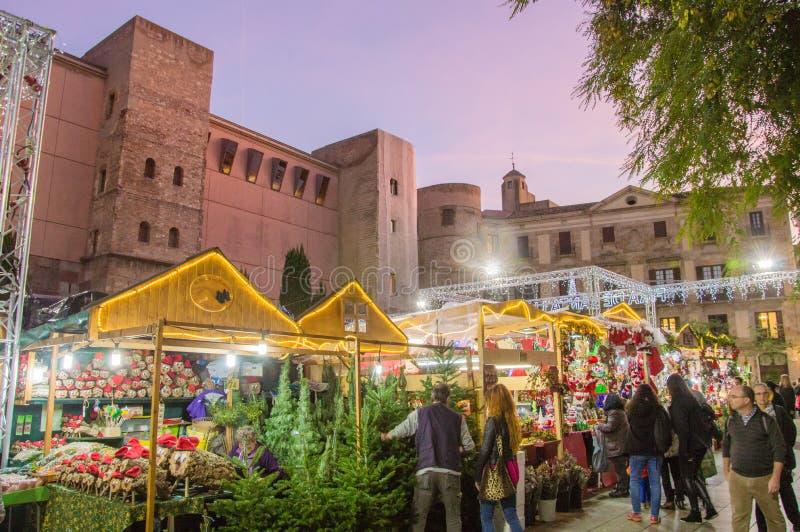 Barcelona Catalonia, Hiszpania, Grudzień,/- 12 2018: Santa Lucia bożych narodzeń rynek obrazy royalty free