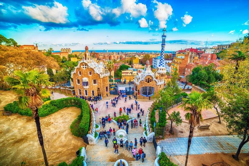 Barcelona Catalonia, Spanien: parkera Guell av Antoni Gaudi arkivfoto