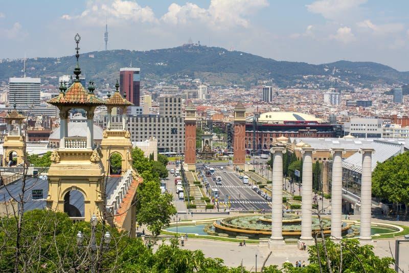 Barcelona cityscape från den Montjuic kullen, Spanien royaltyfria foton
