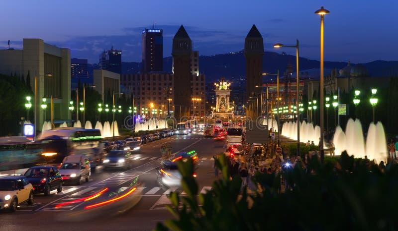 Barcelona en noche fotografía de archivo