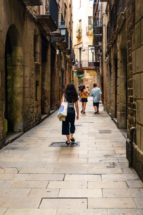 Barcelona, España 6 de septiembre de 2018: Tic del ² de Barri GÃ y los turistas imagen de archivo libre de regalías