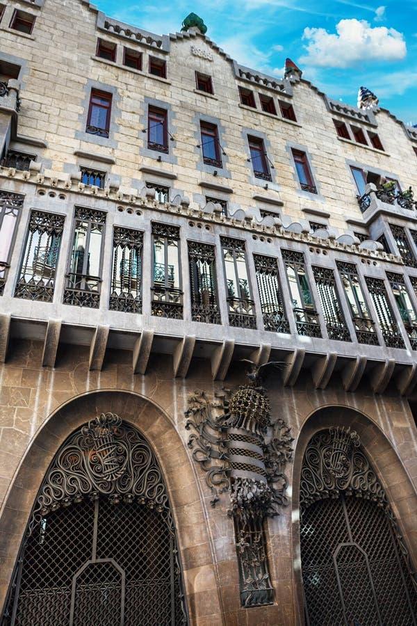 Barcelona, Espanha - 18 de abril de 2016: Palácio Guell de Palau foto de stock royalty free