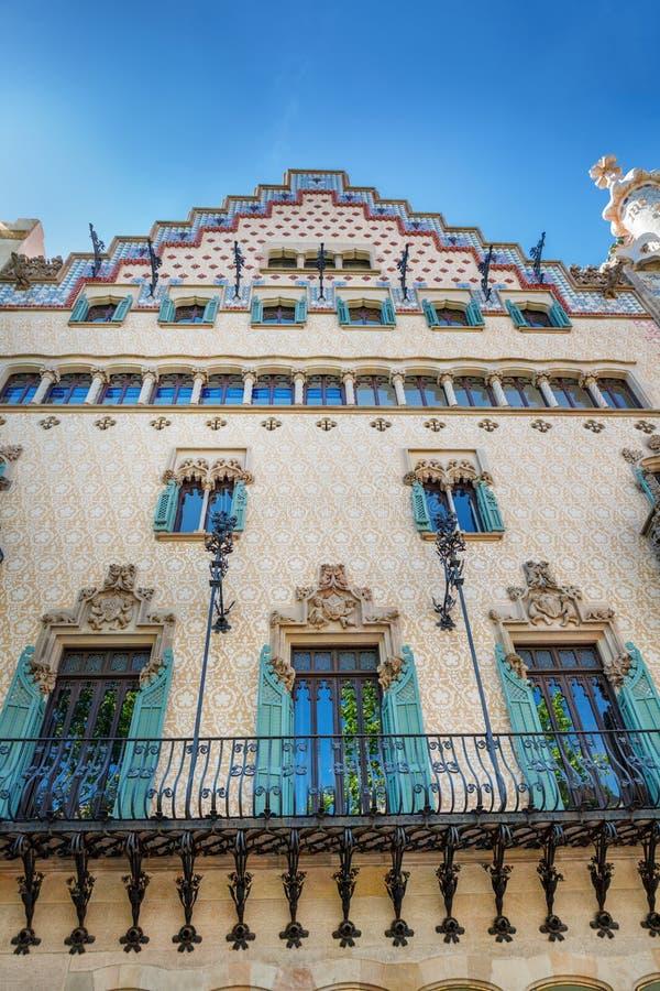 Barcelona, Espanha - 18 de abril de 2016: Illa de la Discordia A casa Amatller da fachada é uma construção no estilo de Modernism imagens de stock
