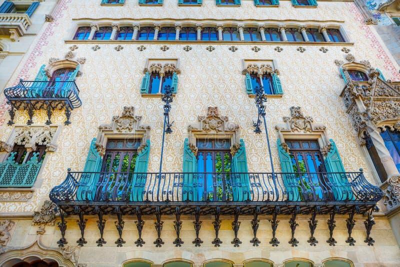 Barcelona, Espanha - 18 de abril de 2016: Illa de la Discordia A casa Amatller da fachada é uma construção no estilo de Modernism imagens de stock royalty free