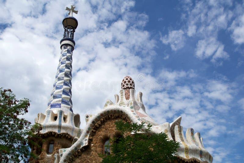 BARCELONA, ESPANHA - 30 de agosto de 2017: Ideia da entrada ao parque Guell por Antoni Gaudi, Catalonia imagens de stock