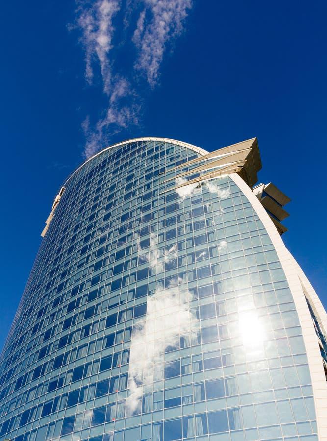 Barcelona, Espanha - 13 de fevereiro de 2016: Vista frontal do hotel de W Barcelona, projetada pelo arquiteto Ricardo Bofill imagem de stock