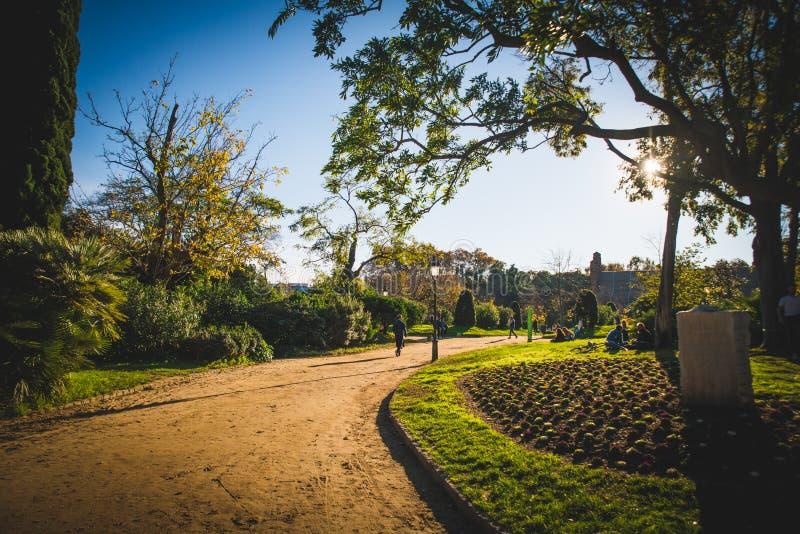 Barcelona, Espanha - 24 11 2018: Dia bonito no parque de Ciutadella fotografia de stock royalty free