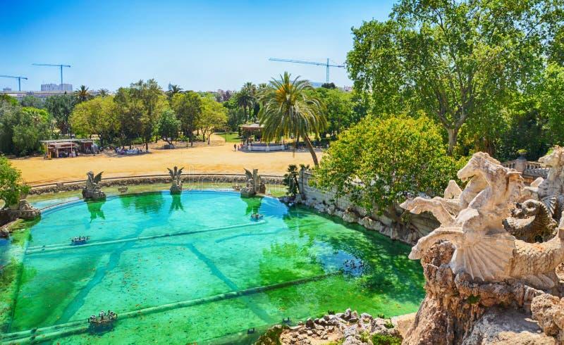 Barcelona, Espanha: A fonte de Parc de la Ciutadella projetou por Josep Fontsere imagens de stock royalty free