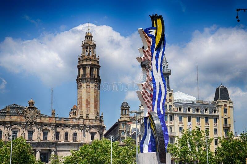 Barcelona, Espanha, mola: arquitetura urbana no centro de cidade fotografia de stock