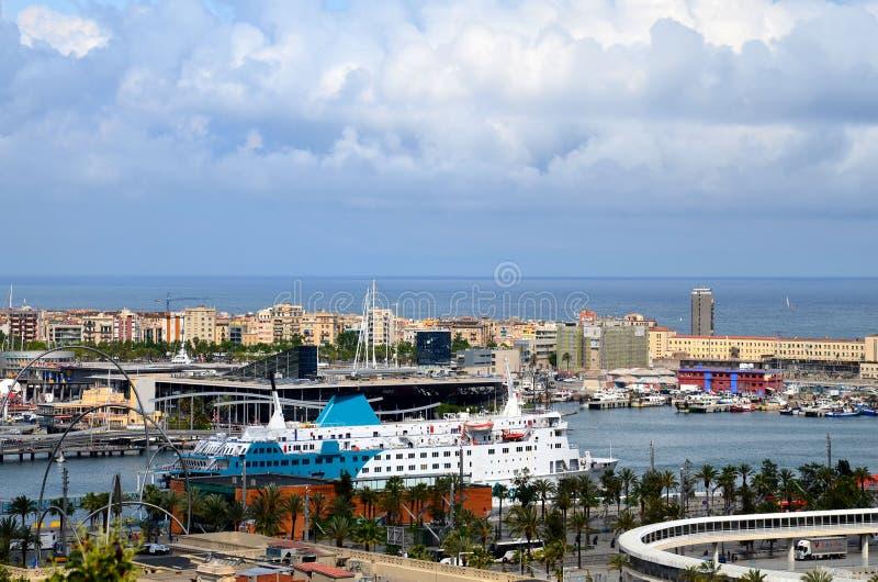 BARCELONA, ESPANHA: Vista panorâmica do porto de Barcelona fotos de stock