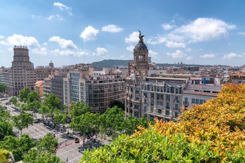 Barcelona flyg- sikt av Passeig de Gracia i vår royaltyfria bilder
