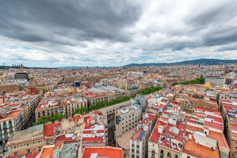 Barcelona flyg- sikt från tak i Passeig de Gracia arkivfoto