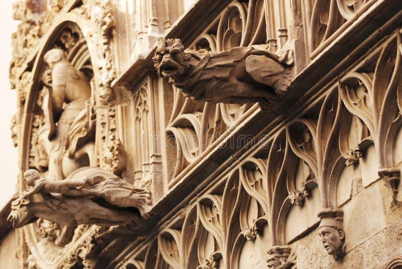 barcelona gargoyles royaltyfri bild