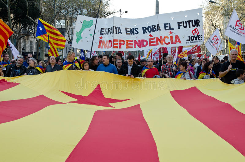 Download Barcelona - General strike editorial photo. Image of cointainer - 24081846