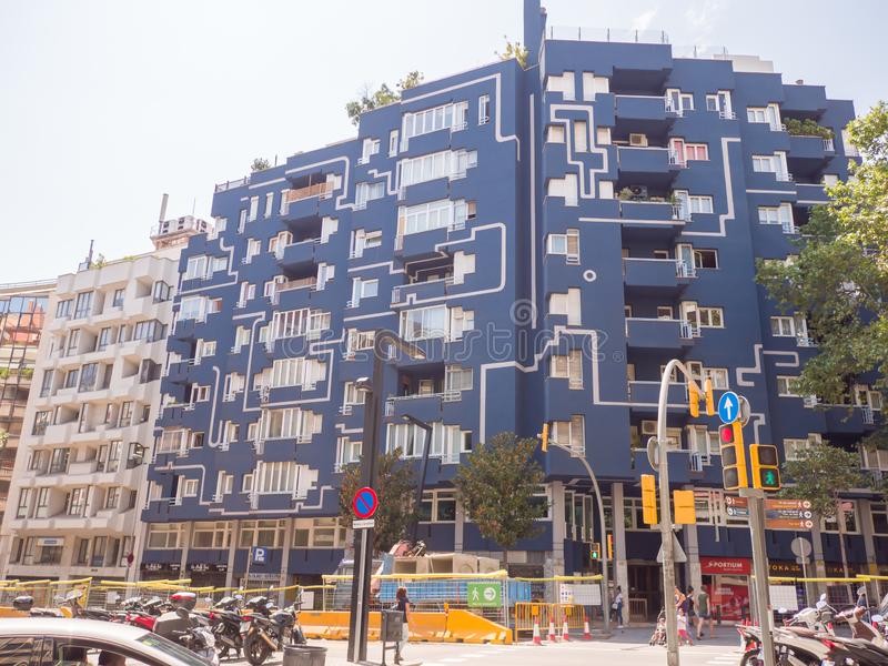 Barcelona Hiszpania, Sierpień, - 5, 2018: Nowożytna architektura na ulicach Barcelona obraz stock