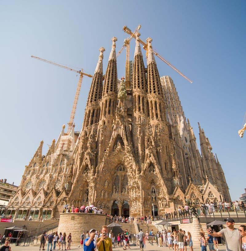 Barcelona Hiszpania, Sierpień, - 5, 2018: Sagrada Familia w hiszpańskim Widok wysoki góruje w budowie fotografia royalty free