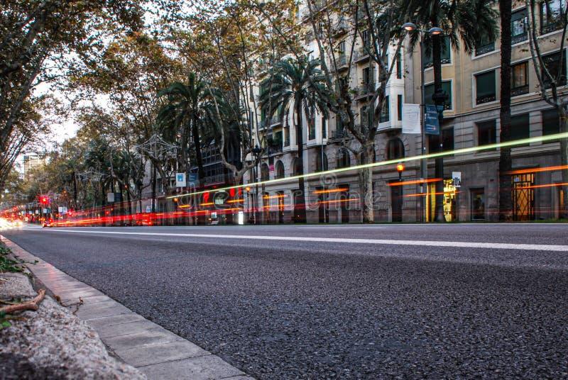 Barcelona, Hiszpania/; 11/15/2013: Zaświeca na drodze w Barcelona, Hiszpania zdjęcie royalty free