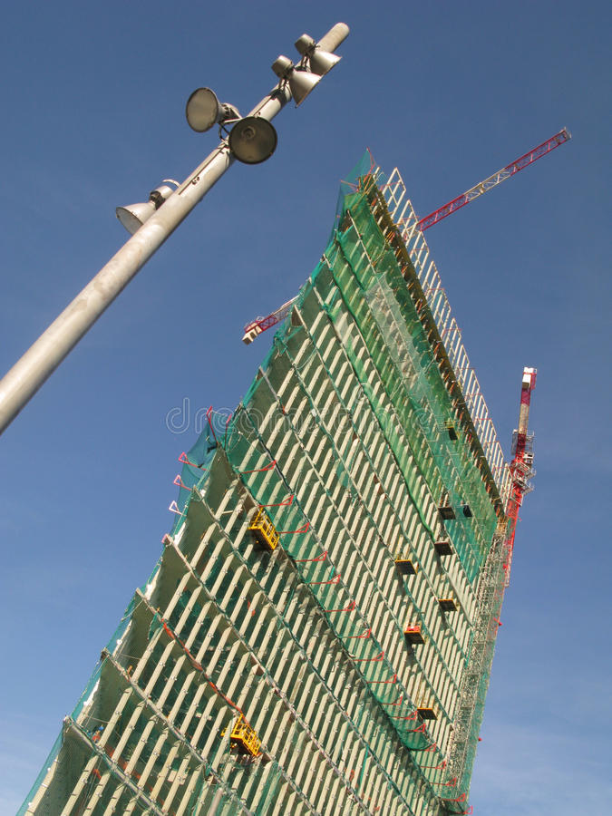 Barcelona-hoher Anstieg im Bau lizenzfreie stockfotos