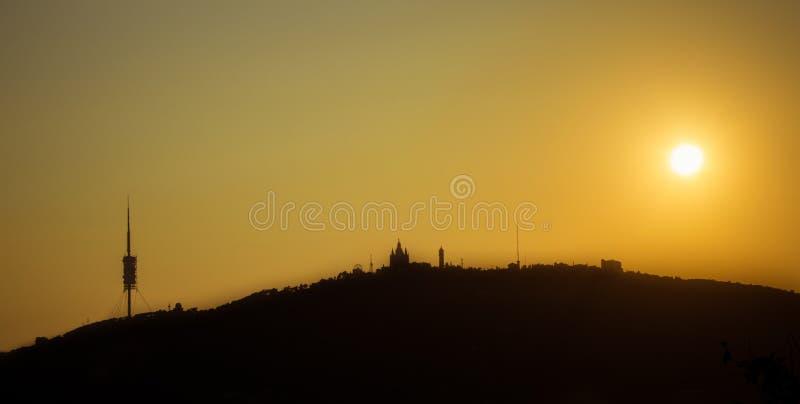 Barcelona horisontpanorama fr?n Turo Rovira, Catalonia, Spanien royaltyfri foto