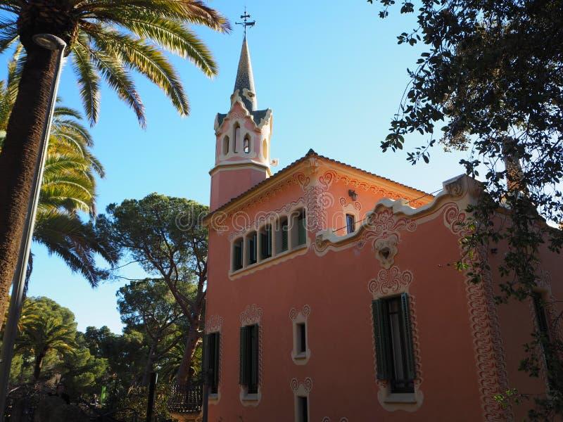Barcelona jaskrawy słoneczny dzień w Parkowym GÃ ¼ ell zdjęcie stock