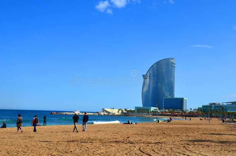Barcelona jest zadziwia 5 gwiazdowym luksusowym hotelem, ono szklanego żagiel jakby struktura i ono lokalizujemy przy końcówką Ba zdjęcie royalty free