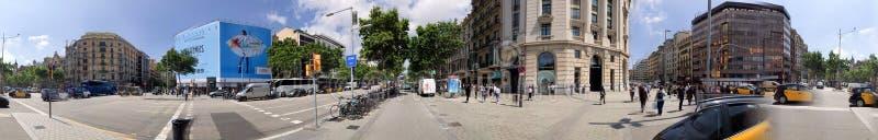 BARCELONA - MAJ 11, 2018: Panoramautsikt av Passeig de Gracia B fotografering för bildbyråer