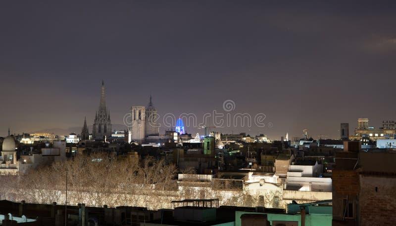 Barcelona nachts stockbild