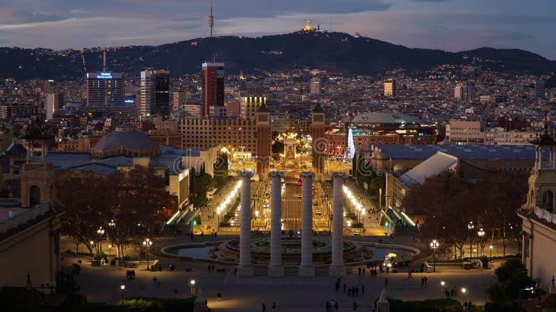 Barcelona natt Placa De Espana, fyrkant av Spanien, Barcelona, Spanien royaltyfri fotografi