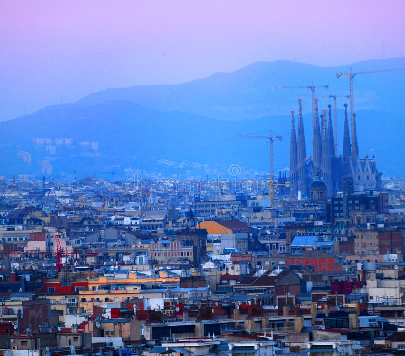 Barcelona no por do sol imagem de stock royalty free
