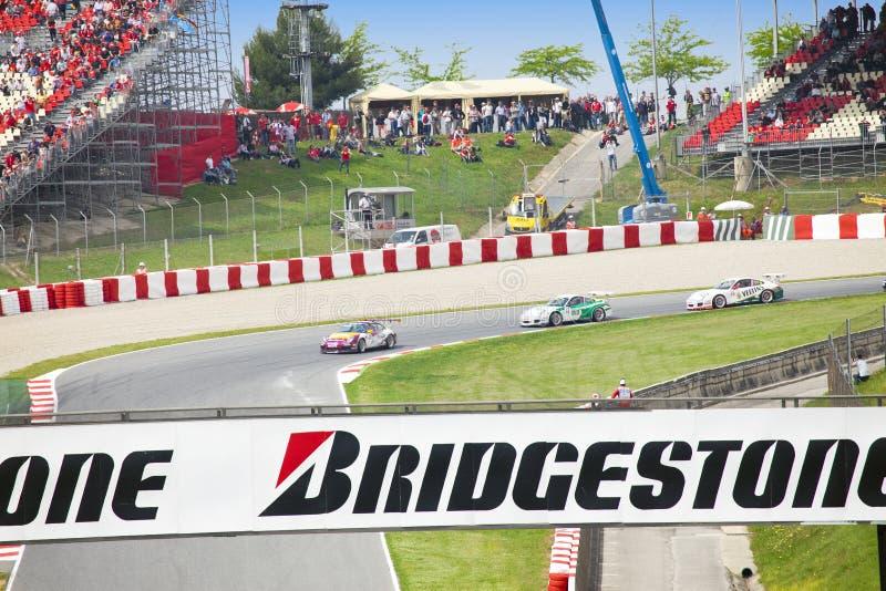 BARCELONA PODE 9: Carro em competir a linha naquele tempo o foto de stock