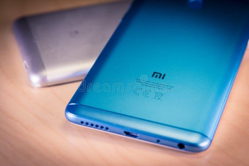 Barcelona, Spain 10 de julho: Smartphones da nota 5 de Xiaomi Redmi, fotos de stock royalty free