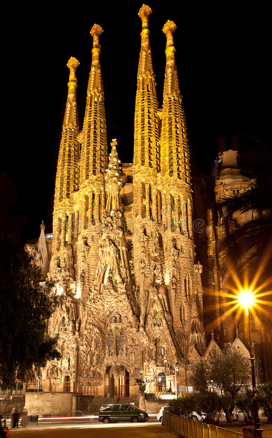 BARCELONA, SPAIN - JANUARY 06, 2013: The majestic Sagrada Familia Cathedral in night royalty free stock image