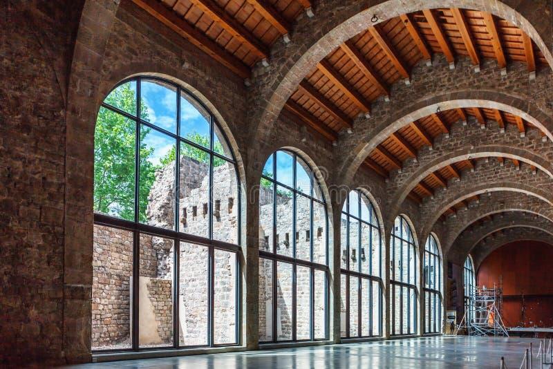 Barcelona Spanien - April 17, 2016: Inre maritimt havsmuseum royaltyfri foto