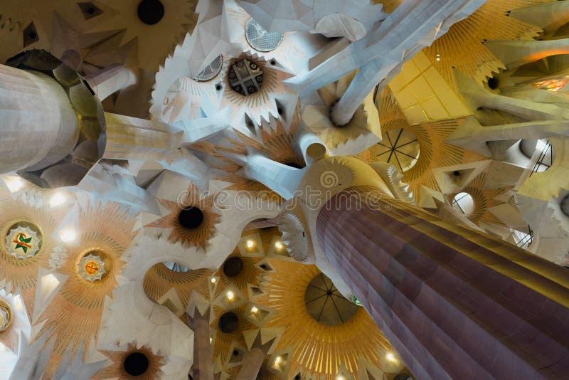 BARCELONA, SPANIEN - 25. April 2018: La Sagrada Familia - Dekoration der eindrucksvollen Kathedrale entwarf durch Gaudi, das lizenzfreies stockfoto